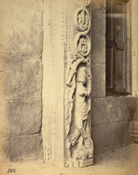 Close view of figure of Ganga at base of pillar of the gopura of the Jalakanteshvara Temple, Vellore 2724